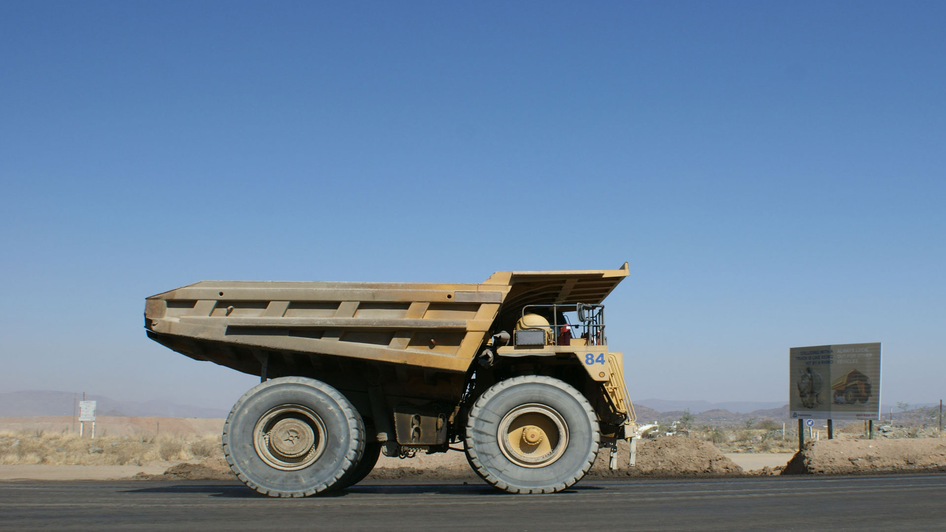RIIMPO338E Conduct rigid haul truck operations